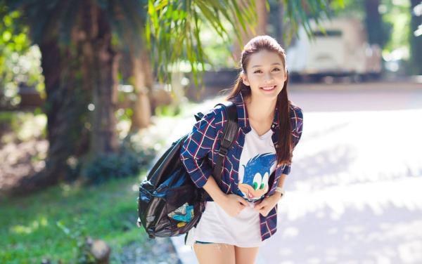 越南酒吧妹2014_越南17岁拳击少女清纯照疯传 长相甜美身材有料