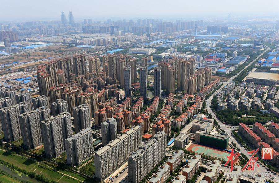 高清:268米高空俯看郑州新貌 高楼成林