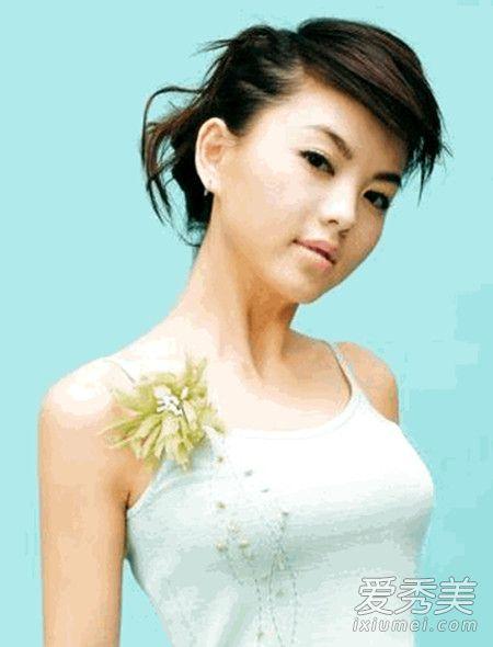 李湘年轻时候长什么样?李湘年轻时候也这么胖吗 李湘年轻照片