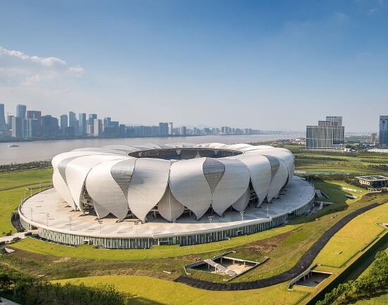 杭州体育馆_杭州   杭州奥体中心包括一个8万人主体育场,一座1万8千人主体育馆