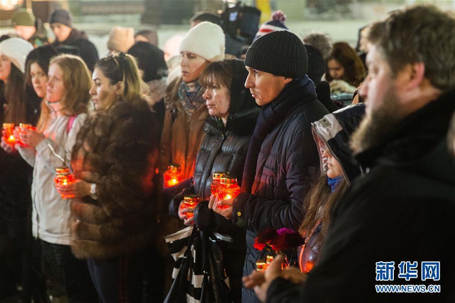 (国际)(1)莫斯科民众悼念失事客机遇难者