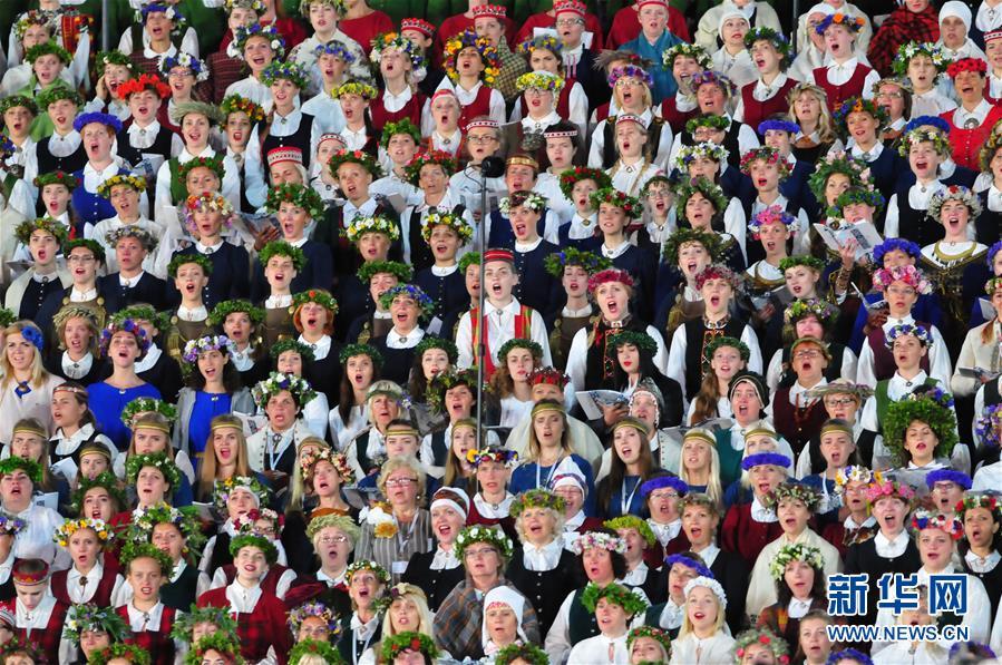 """(国际)(3)拉脱维亚举办""""星空之路""""万人合唱音乐会"""