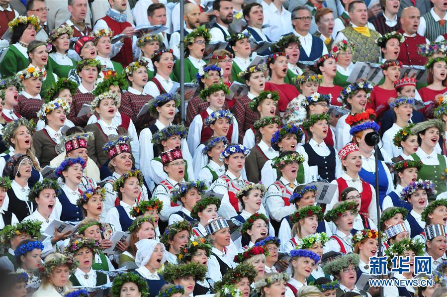 """(国际)(4)拉脱维亚举办""""星空之路""""万人合唱音乐会"""