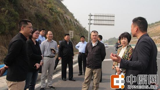巩义市副市长刘军杰督导检查巩马赛道路线设置情况