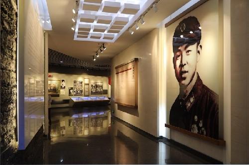 (57)雷锋纪念馆的陈列-河宁 摄.jpg