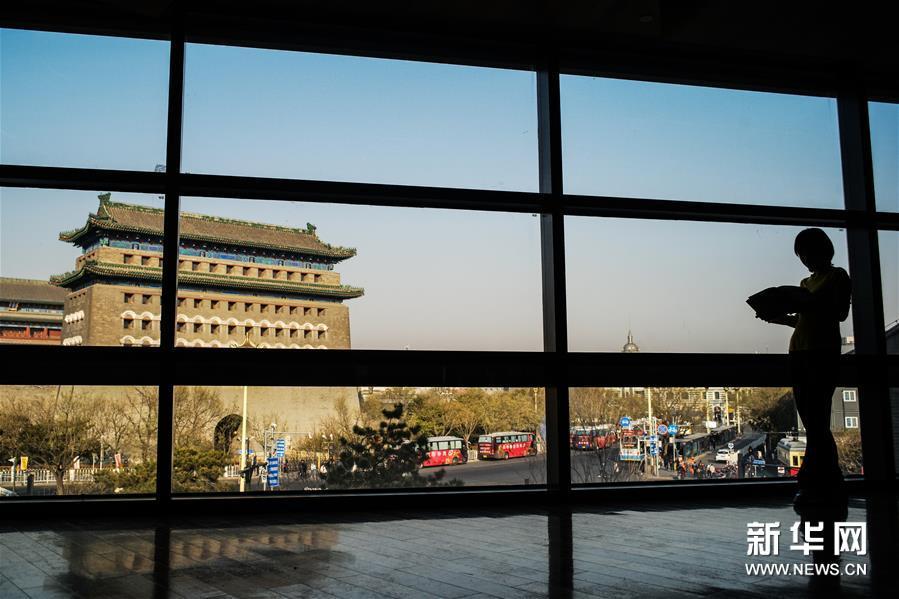 (社会)(2)探访北京特色实体书店——皇城根儿书店之旅