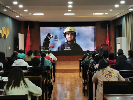 百花艺术小学:关注消防安全 创建平安校园